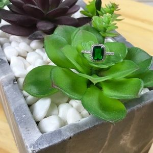Jewelry - {New} Diamond Green Halo Ring 925 Sterling Silver
